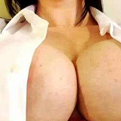 My very large tits - Momma