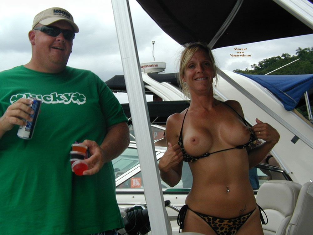 Nice titties!