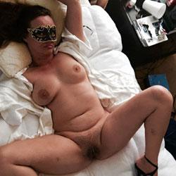 Lynn Spread - Shaved, Brunette, Big Tits, Spread Ass