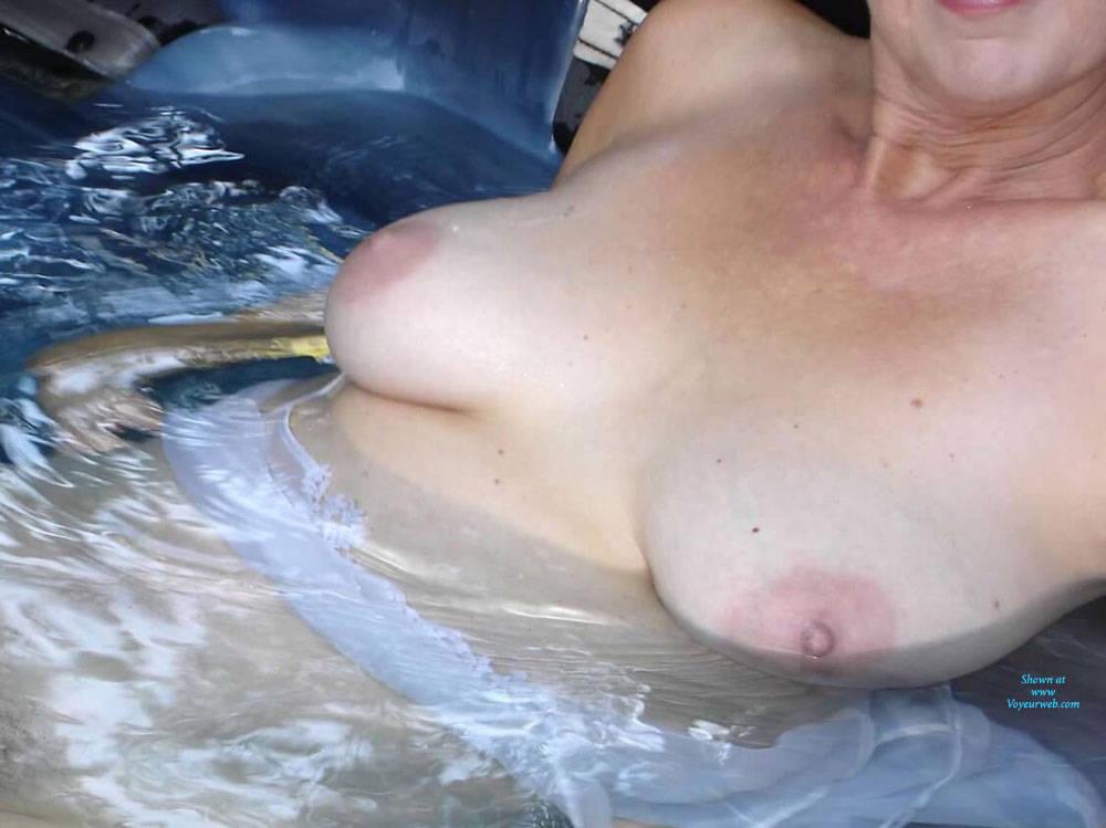 Hot girls taking it anal