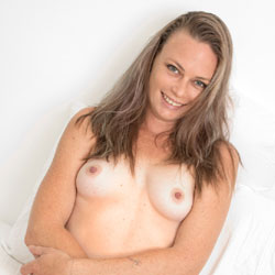 Hairy Pussy From A Smiling Naked Brunette - Brunette Hair, Full Nude, Hairy Bush, Hairy Pussy, Small Tits, Naked Girl, Sexy Body, Sexy Girl, Sexy Legs, Amateur