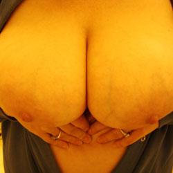 More Kelly - Big Tits, Close-Ups