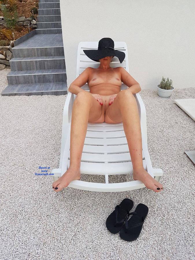 Pic #4 Fun Near Swimming Pool - Nude Girls, Outdoors, Amateur