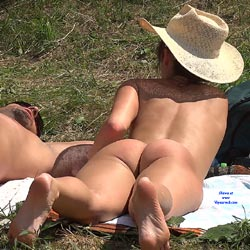 Straw Hat Under The Sun - Exposed In Public, Lying Down, Naked Outdoors, Nude In Nature, Round Ass, Naked Girl, Sexy Ass, Sexy Body, Sexy Figure, Sexy Girl, Sexy Legs