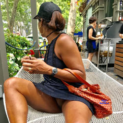 Fun In NYC - Pantieless Girls, Public Exhibitionist, Flashing, Outdoors, Public Place, Shaved, Upskirt No Panties
