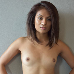 Seducing Naked Look - Brunette Hair, Nipples, Shaved Pussy, Showing Tits, Small Breasts, Small Tits, Hairless Pussy, Sexy Body, Sexy Face, Sexy Girl