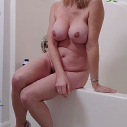 Rita Gets a New Shave (Part I) - Nude Friends, Big Tits, Mature, Bush Or Hairy, Amateur