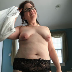 New Guy Really Wants To Have Me - Topless Wives, Big Tits, Brunette, Mature, Amateur