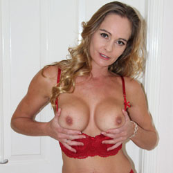 Evie First Time On RedClouds - Big Tits, Lingerie, Mature, Bush Or Hairy, Amateur