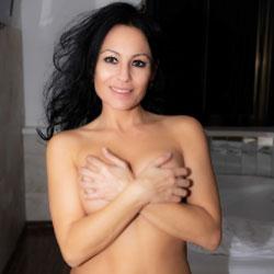Spread hot em nude