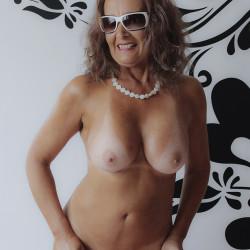 Large tits of my girlfriend - Deborah