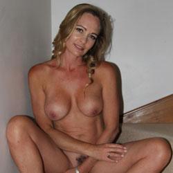 More MILF - Nude Girls, Big Tits, Bush Or Hairy, Amateur, MILF