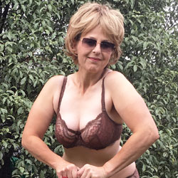 Lady Bee Naked Gardening - Nude Amateurs, Big Tits, Mature, Outdoors