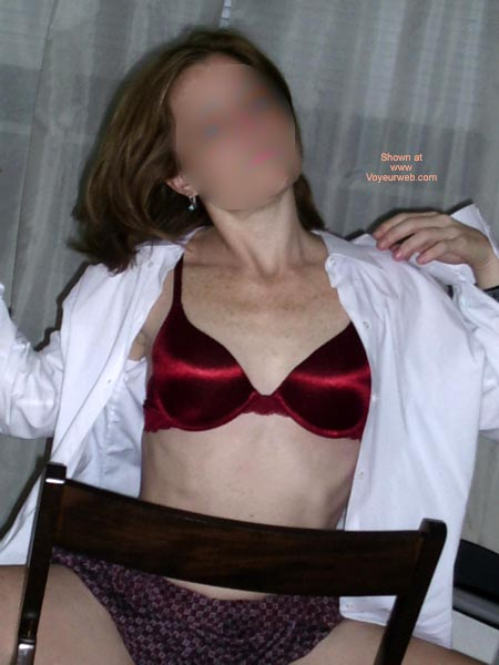 Pic #3 - Lincoln'S Red Bra