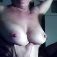 Medium tits of my girlfriend - Vita D