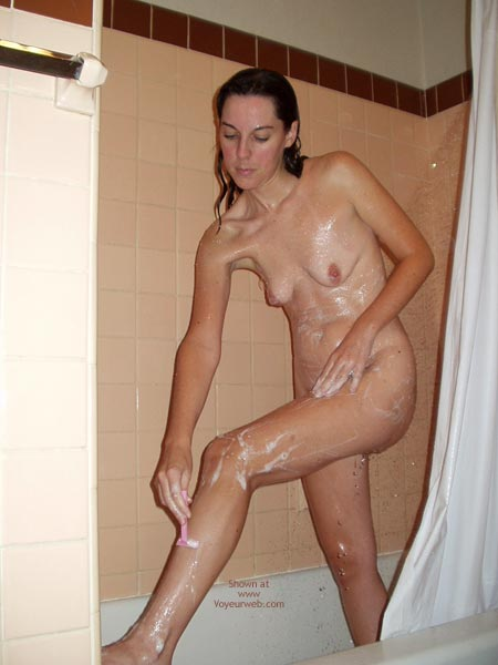 Pic #6 - Amy Shaving In The Shower