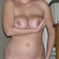 Very large tits of my girlfriend - T