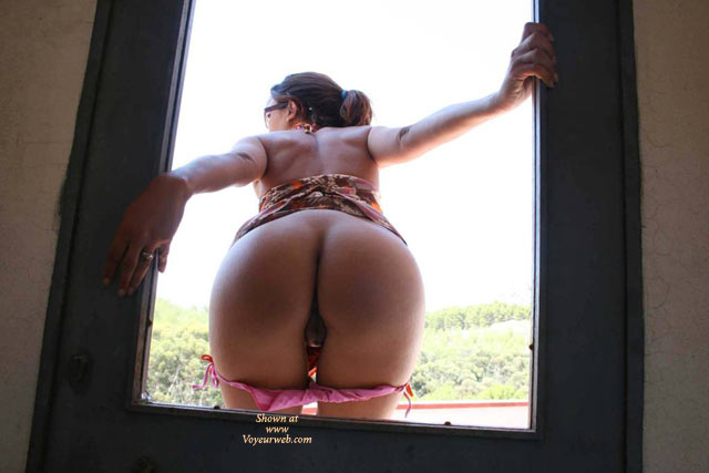 Pic #1 - Ass Flash Behind Door - Pussy From Behind , Peek A Boo, Pussy Lips From Behind, Bikini Bottoms Pulled Down, Panties Pulled Down, Framed Butt, Panties Rolled Down, Ass Crack, Peekaboo Pussy, Panties Down