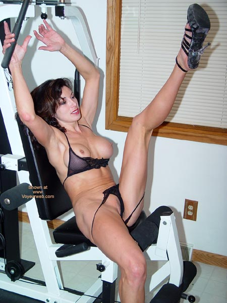 Pic #1 - Lana Works Out