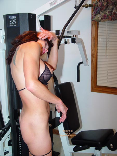 Pic #4 - Lana Works Out