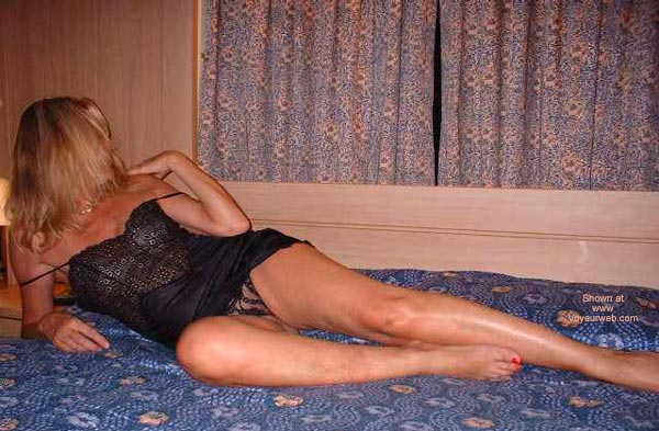 Pic #6 - Italian Lady 50 In Bed