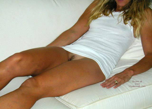 Pic #1 - Wife Who Shows It