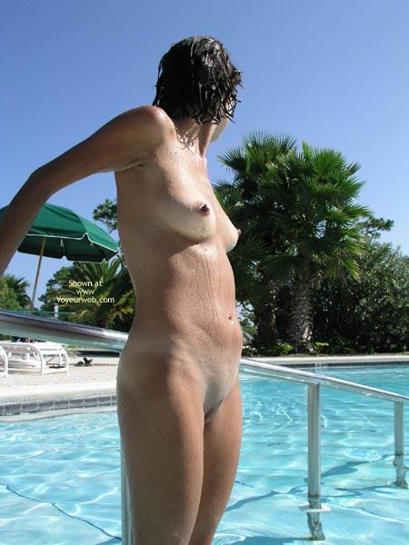 Pic #4 - Erianne Come Swim With Me!