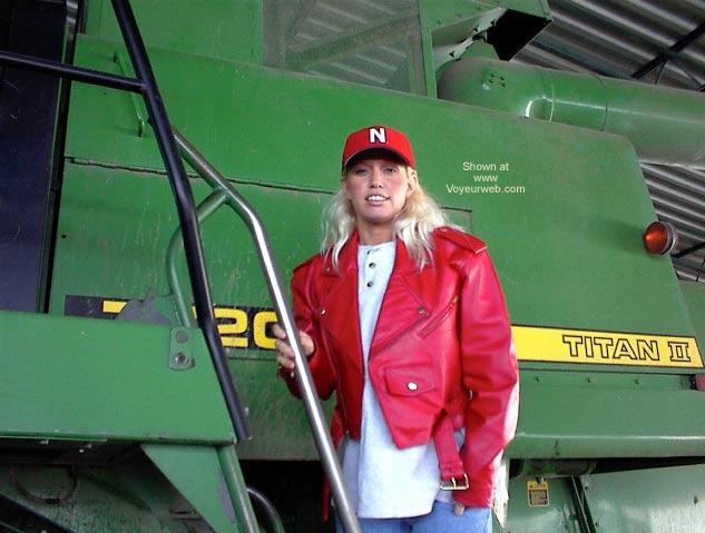 Pic #3 - PowermuffGirl Goes to South Dakota