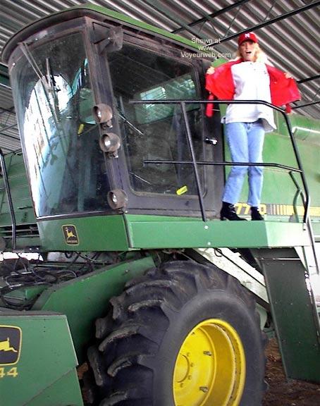 Pic #4 - PowermuffGirl Goes to South Dakota