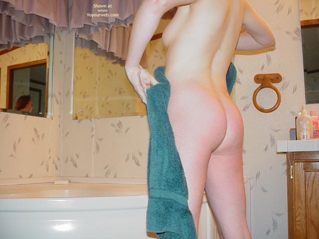 Pic #5 - Hot 26 Year Old East Coast Girl