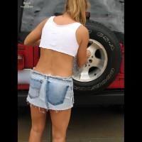 Nora - Washing Cars