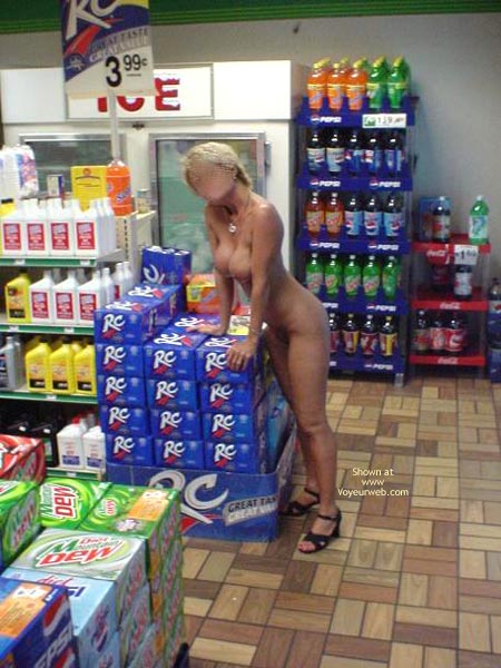 Pic #5 - Cindylo Shopping At The Bp