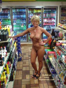 Pic #6 - Cindylo Shopping At The Bp