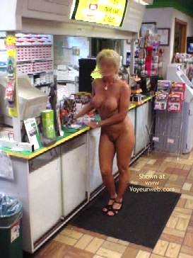 Pic #7 - Cindylo Shopping At The Bp