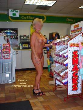 Pic #8 - Cindylo Shopping At The Bp