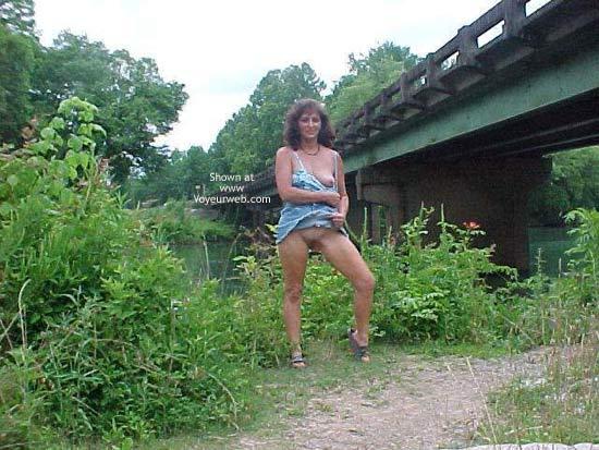 Pic #3 - Dixie Flashing at Bridge
