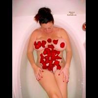 Suezq Tub And Roses