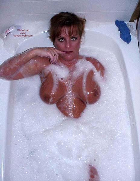 Pic #7 - Sara Takes a Bubble Bath