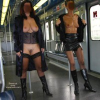 *GG Tiziana and Stefy in Metro