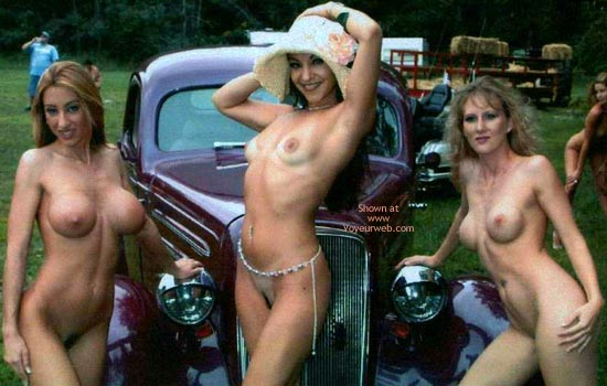 Pic #3 - Nudes a Poppin Aug 2002