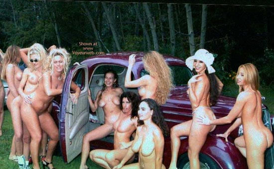 Pic #5 - Nudes a Poppin Aug 2002