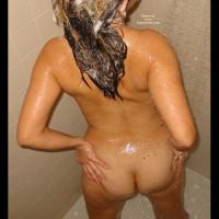 *BO 38 yo Milf in Shower