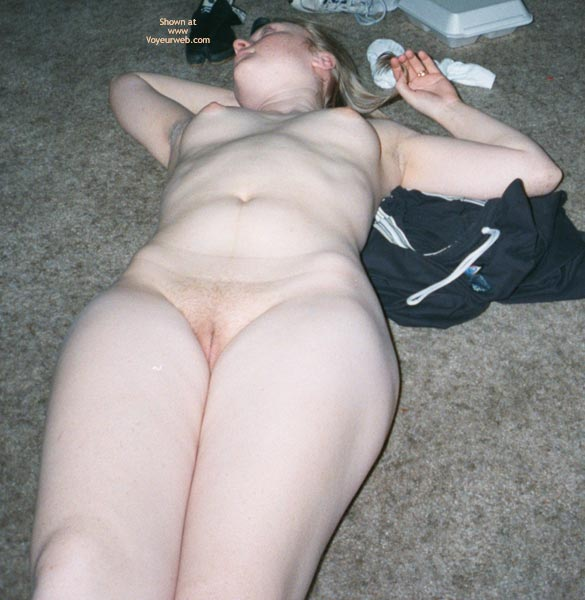 Pic #4 - Wife's First Nude