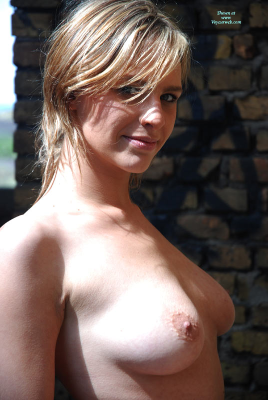 Pic #1 - Sexy Smile Topless - Natural Tits, Topless, Looking At The Camera , Nice, Head And Sholders, Outdoor Bust Shot Pretty Face, Sun Streaked Medium Hair, Sideways Glance, Stanting Topless