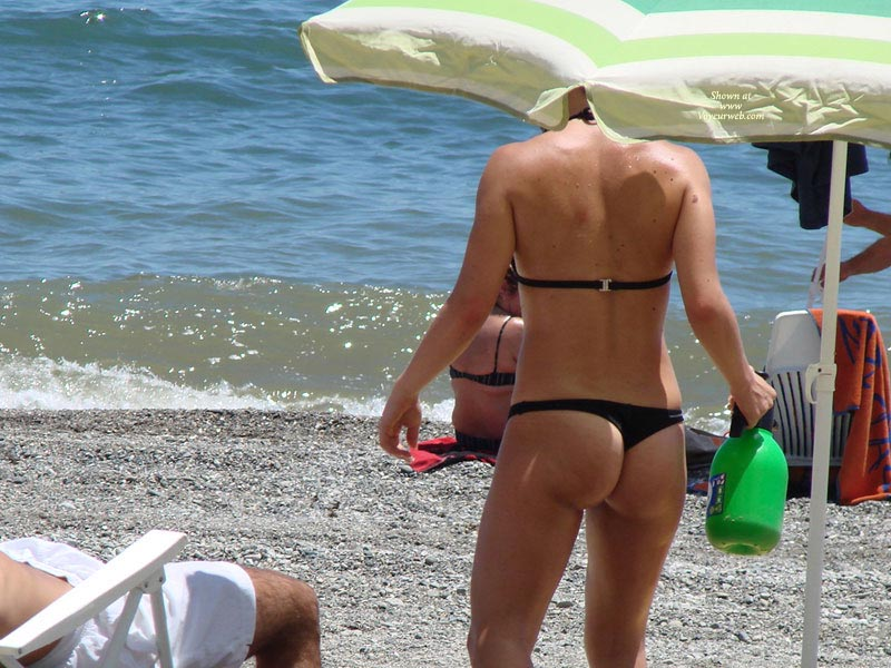 Pic #1 - South Of Spain , A Few Chicks From A Beach In Marbella