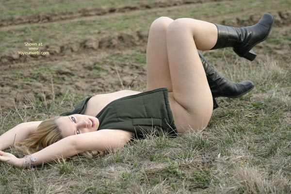 Pic #6 - Sonia Out On The Fields