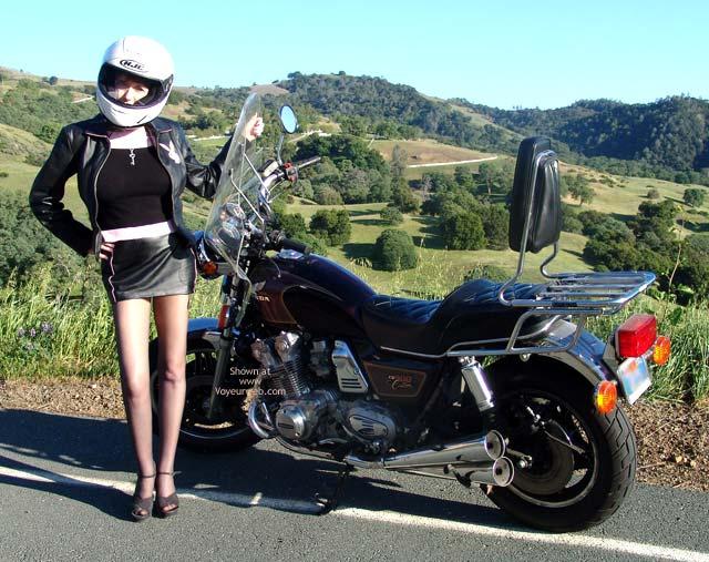 Pic #1 - *Mi Sandy Redhead'S Hot Honda Harlot!