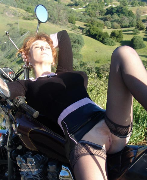 Pic #10 - *Mi Sandy Redhead'S Hot Honda Harlot!