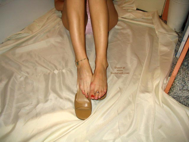 Pic #2 - Robin Legs And Feet By Request