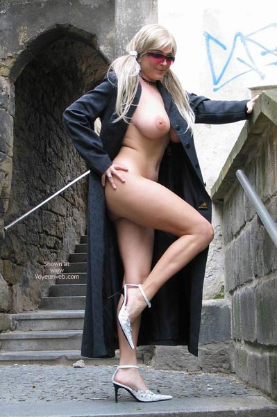 Pic #1 - Girl Standing Outdoors - Artistic Nude, Sunglasses , Girl Standing Outdoors, Sunglasses, Open Coat, Wearing Nothing Under Her Coat, Sideview, Sunglasses, Artistic Pose